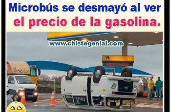 Microbús se desmaya al ver el precio de la gasolina.